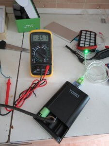 check voltage on 18650 li-ion battery