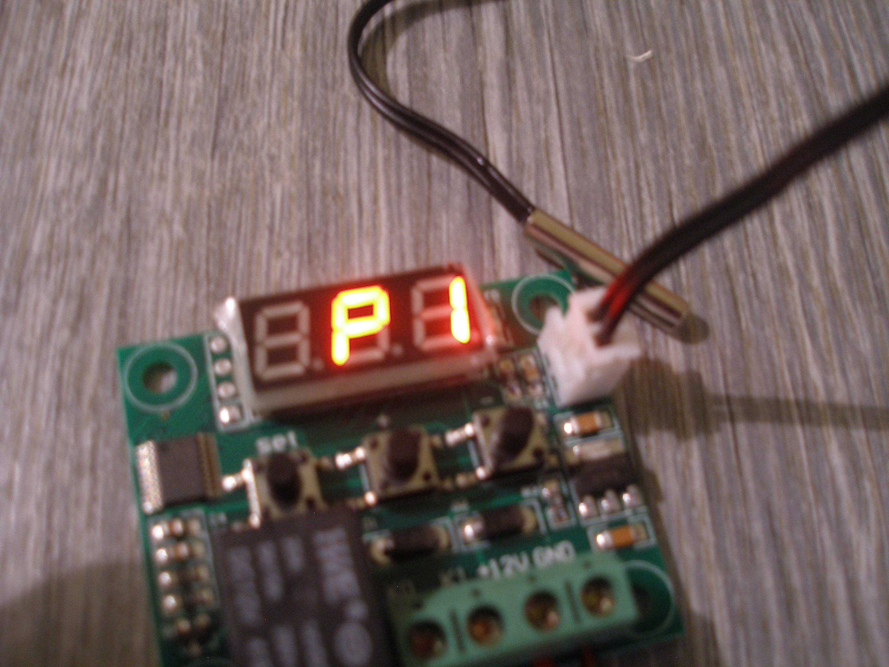 DC 12V Digital LED Thermostat Temperature Control^Switch Module XH-W1209CCO HU