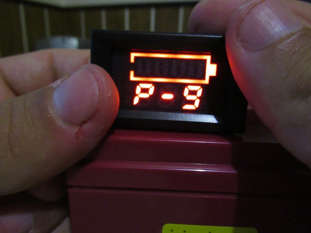 Led Voltmeter With Battery Status Indicator Review Schematic For Low Voltage Alarm P 9